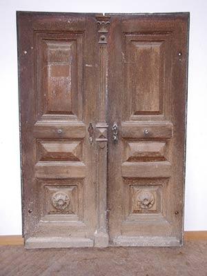 Restaurierung einer alten Tür durch die Schreinerei Linsenmeyer aus Heroldingen zwischen Donauwörth und Nördlingen